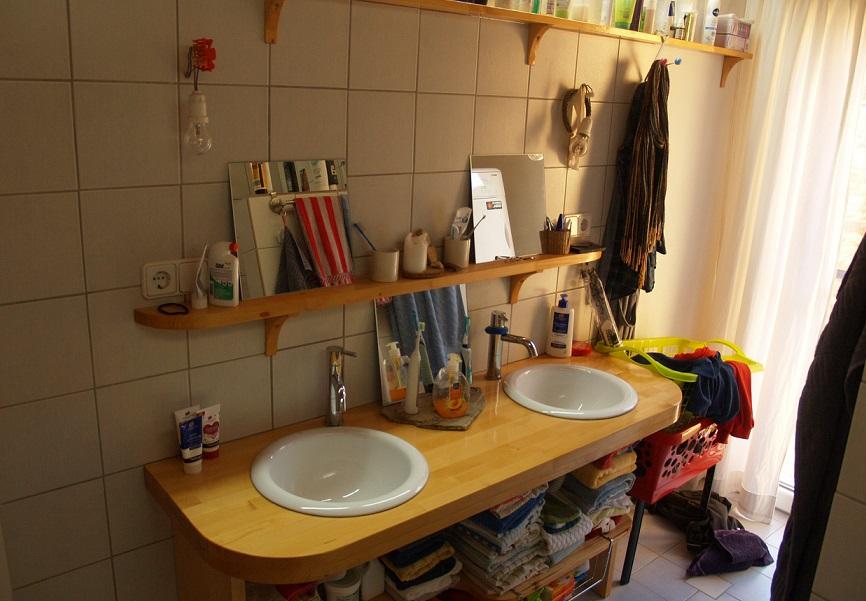 traditionelle Waschbecken im Badezimmer | traditional sink in the bathroom