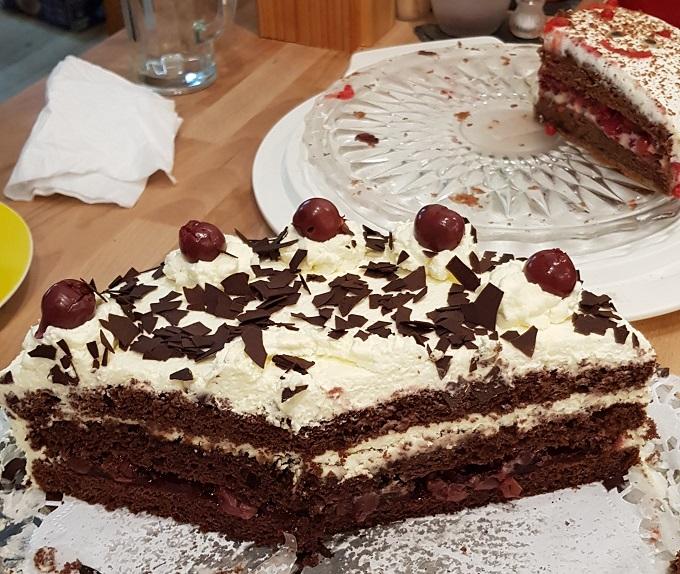 die Schwarzwälder-Kirsch-Torte zu Mannes Geburtstag