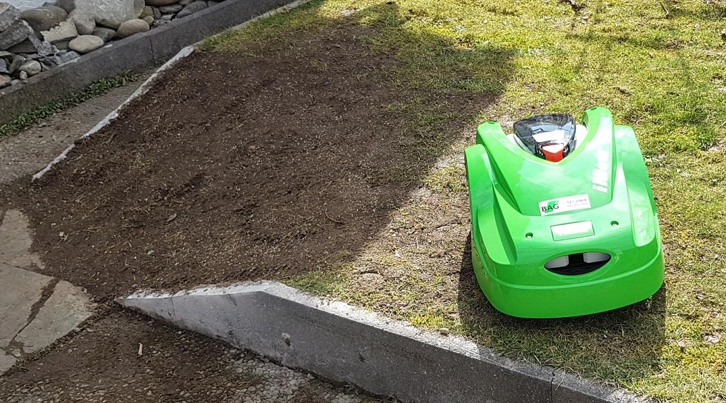 kleiner Umbau war notwendig, damit ROBI überall zum Rasen mähen hin kommt :)