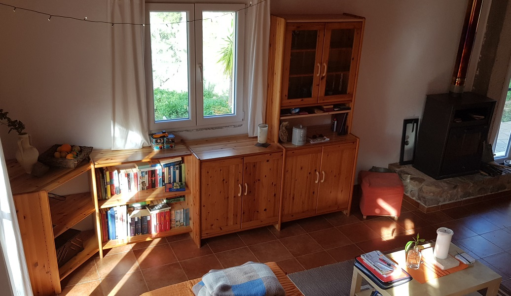 sieht doch auch am Tag gemütlich aus ... der neue Schrank im Wohnzimmer / Bilder fehlen noch