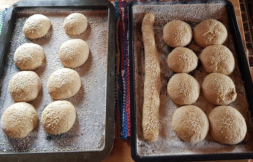 Backlinge aus Sauerteig und Roggen Weizenmehl