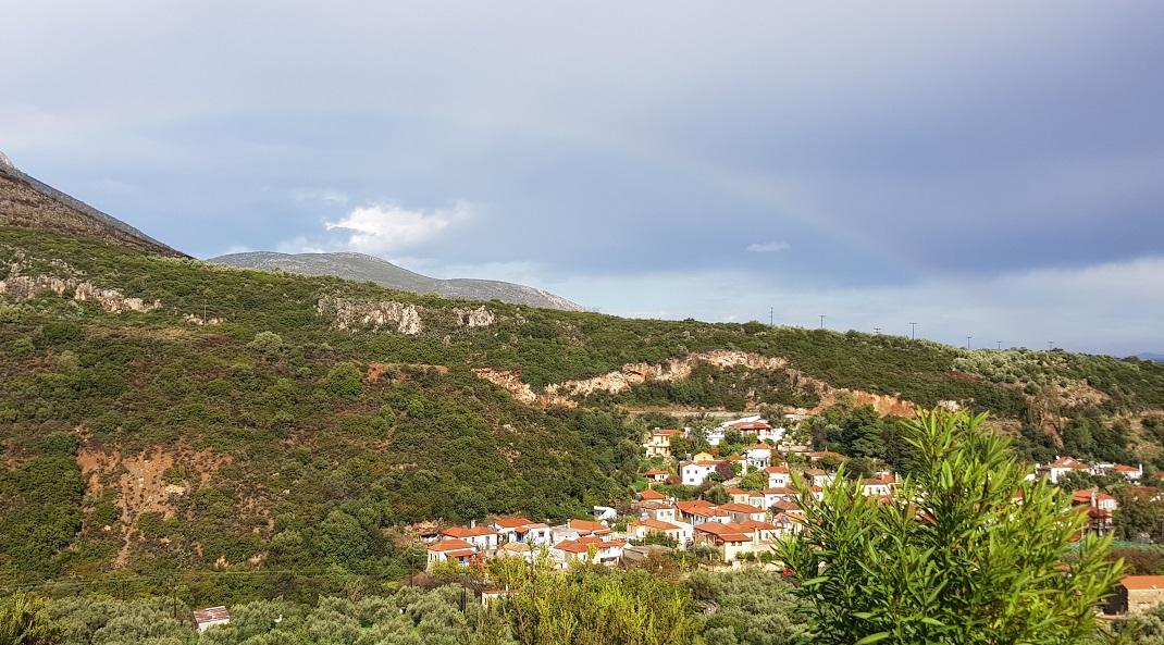 Regen- und Sturmwetter folgen Sonnentage oder umgekehrt / der nächste Regenbogen über Nomia GR